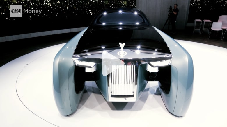 """هكذا ستبدو سيارة """"المستقبل البعيد"""" من رولز رويس في العام 2114"""