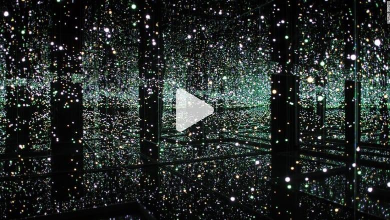 فنانة يابانية اختارت العيش في مصح عقلي منذ أربعين عاماً.. شاهد أعمالها