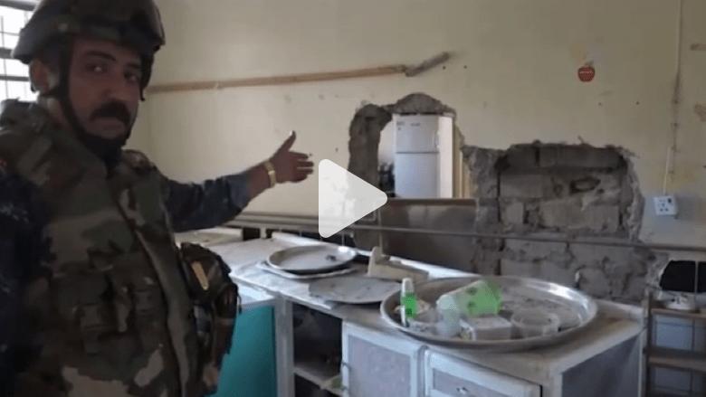 شاهد.. القوات العراقية تداهم مقرا لداعش غرب الموصل