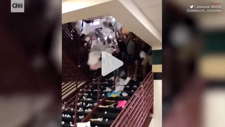 شاهد كيف يحتفل هؤلاء الطلاب بنهاية عامهم الدراسي