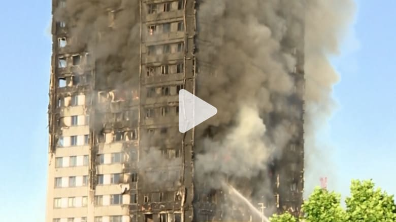 شاهد محاولات إطفاء حريق هائل ببرج سكني في لندن