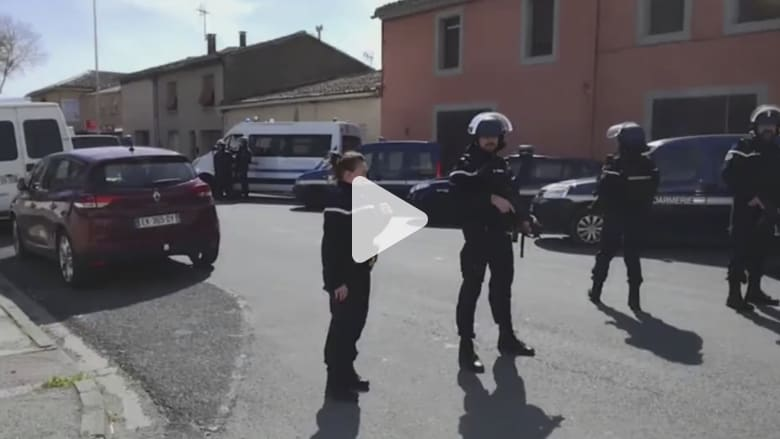 الشرطة الفرنسية تحاصر موقع احتجاز الرهائن في تريب