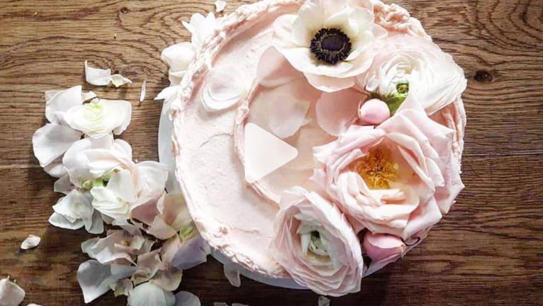 تفاصيل كعكة الزفاف الملكية في بريطانيا.. ما نكهتها ومن سيخبزها؟