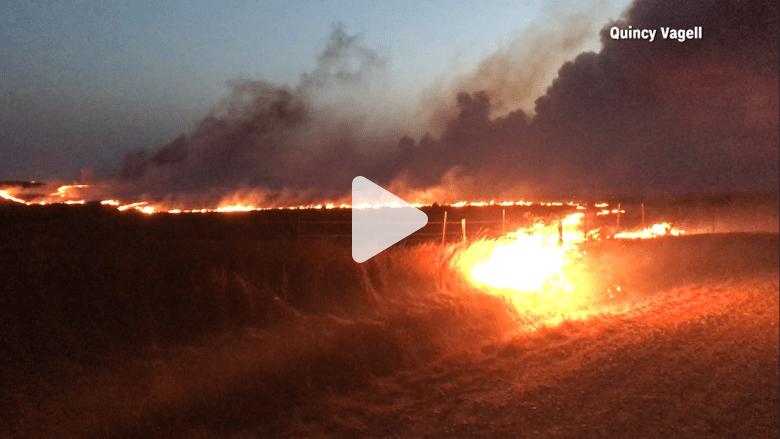 شاهد.. حريق هائل يشب بأكثر من 19 ألف فدان بأمريكا!