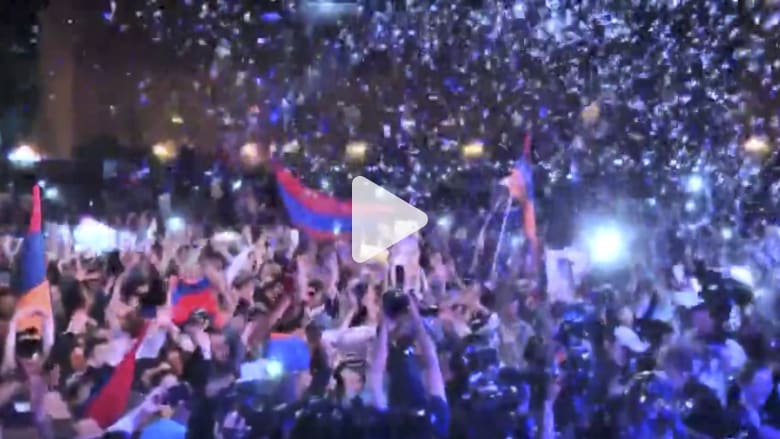 شاهد.. الآلاف يتظاهرون فى أرمينيا دعما لزعيم المعارضة