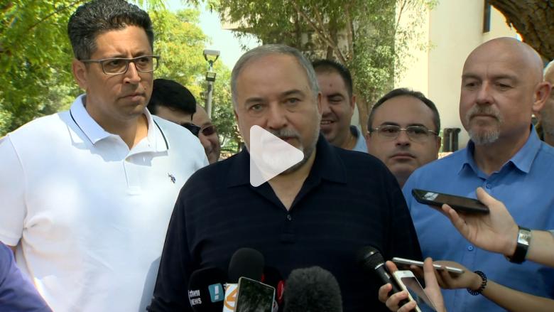 ليبرمان من الجولان للأسد: تخلص من الإيرانيين وقاسم سليماني