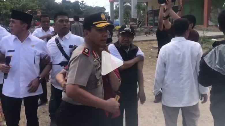 شاهد.. لحظات الفزع خلال وقوع زلزال جديد في إندونيسيا
