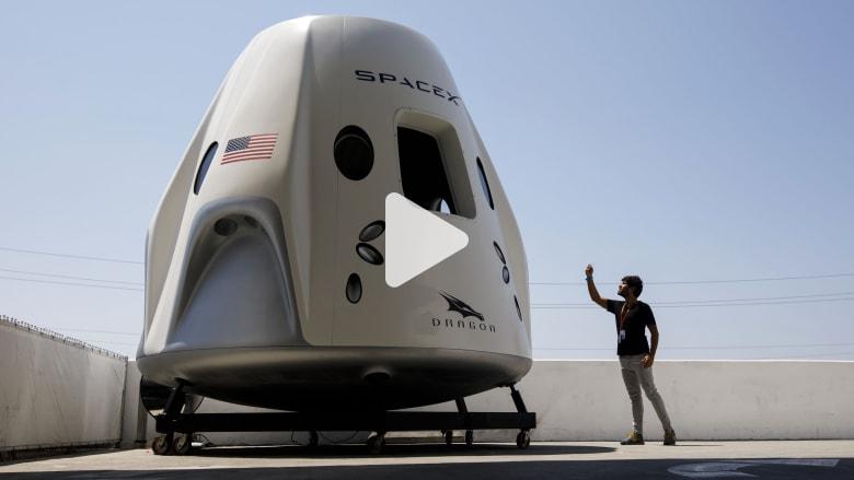 """أول نظرة على مركبة """"سبيس إكس دراغون"""" لنقل البشر إلى الفضاء"""