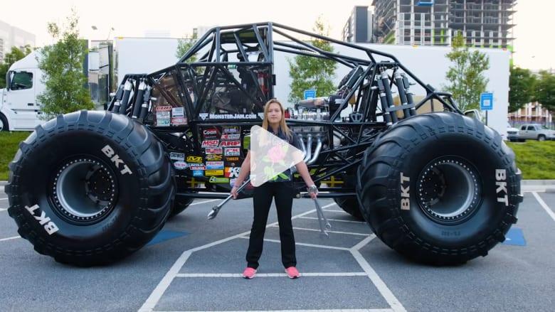 هذه أصغر سائقة شاحنات كبيرة في العالم..وتبني شاحناتها بنفسها