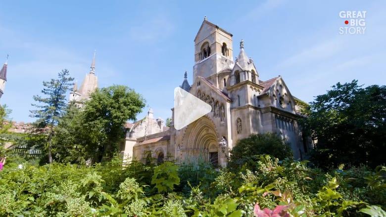قلعة من الورق تتحول إلى قلعة من الحجارة في بودابست..فما هي؟