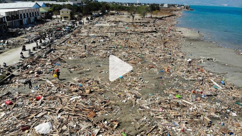 من الجو.. شاهد حجم الكارثة التي حلت بإندونيسيا