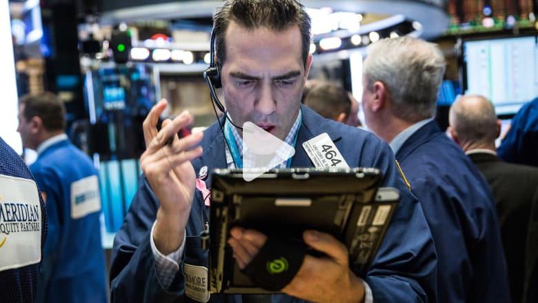 كيف يختلف عمل السمسار عن الوسيط الموكل في الأوراق المالية؟