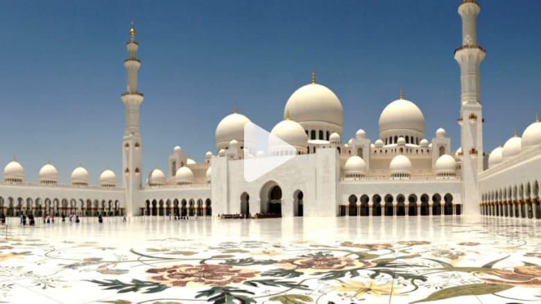 ما هي العجائب المعمارية الحديثة التي تتميز بها مدينة أبوظبي؟