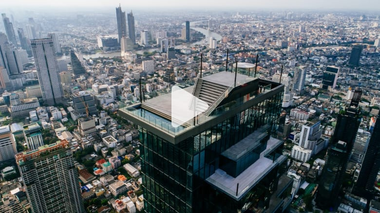 bangkok-tallest-building-new-skywalk.jpg