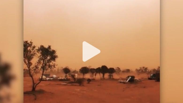 سماء أستراليا تتحول الى اللون البرتقالي.. شاهد السبب