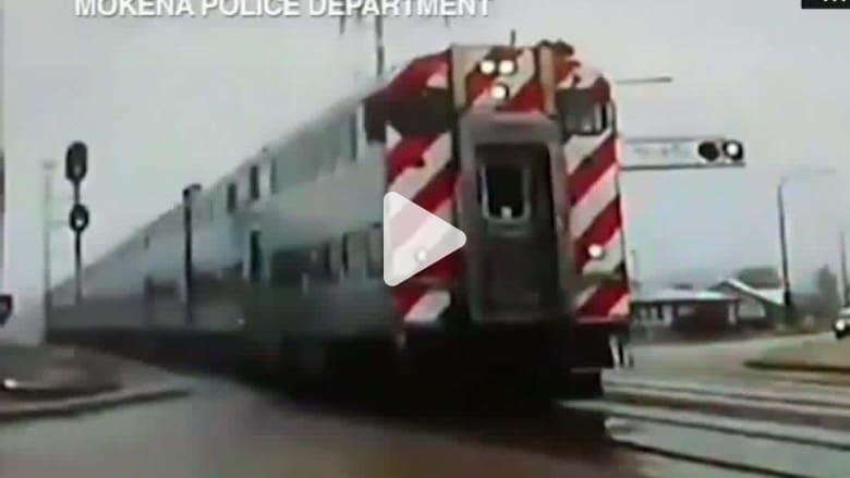 181228070513-officer-misses-train-dashcam-newday-vpx-00004521-super-169.jpg