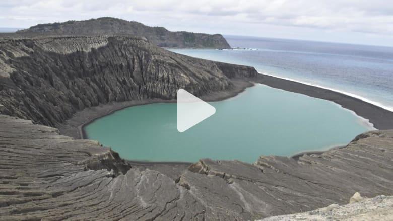 وحل لزج ونباتات غريبة على جزيرة جديدة تحير العلماء
