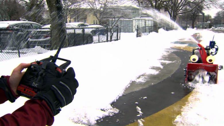 هذا الروبوت ذاتي التحكم يطارد الثلوج على الطرق