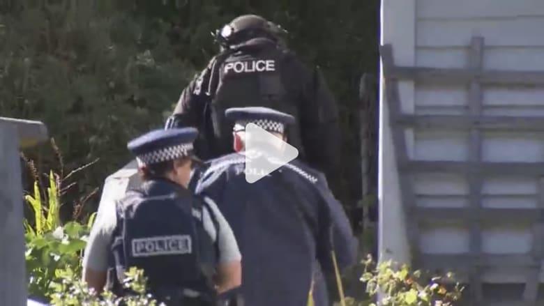 الشرطة النيوزيلندية تداهم منزل مشتبه به بعد هجوم المسجدين