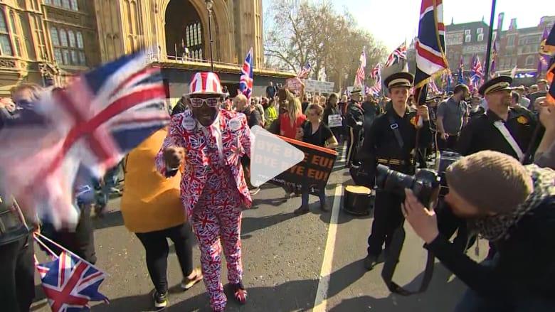 احتجاجات من مؤيدي خروج بريطانيا لإيصال أصواتهم