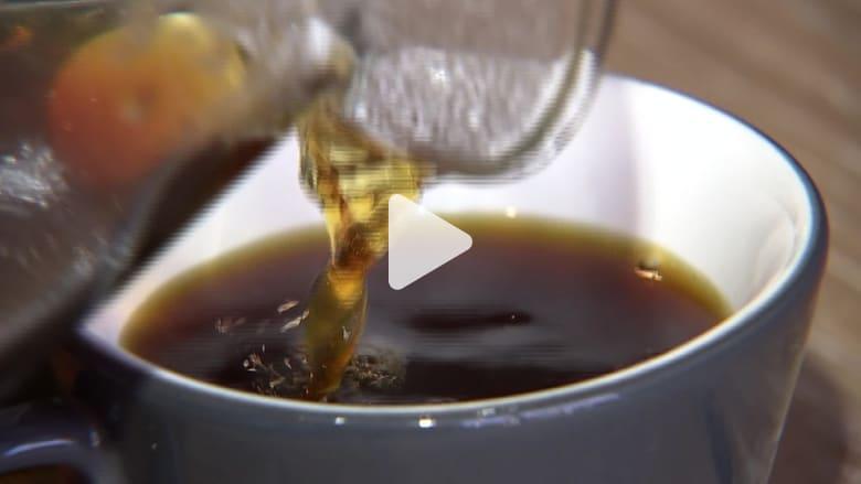 طعمه مثل الفاكهة.. هل هذا أغلى فنجان قهوة في العالم؟