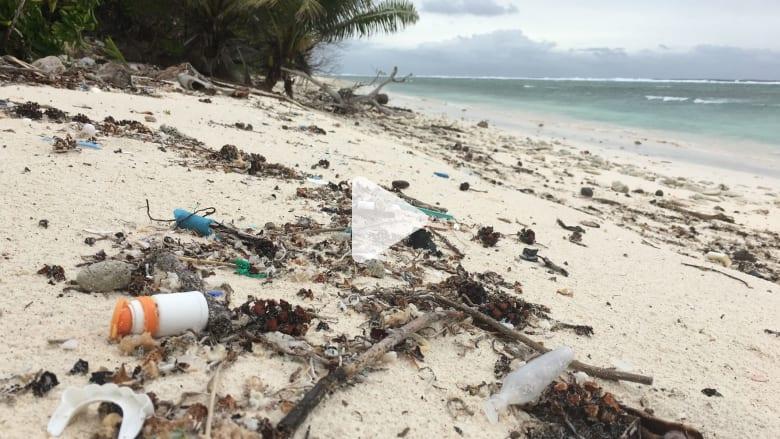 العثور على 400 مليون قطعة بلاستيكية في جزر بالمحيط الهندي