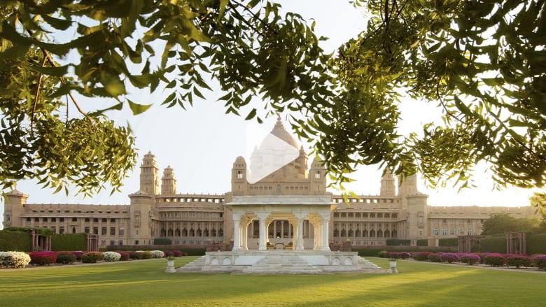 تجول داخل هذا القصر الهندي الفاخر الذي تحول إلى فندق