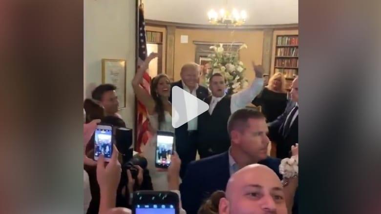 ردة فعل زوجين عندما ظهر ترامب في حفل زفافهما بشكل مفاجئ