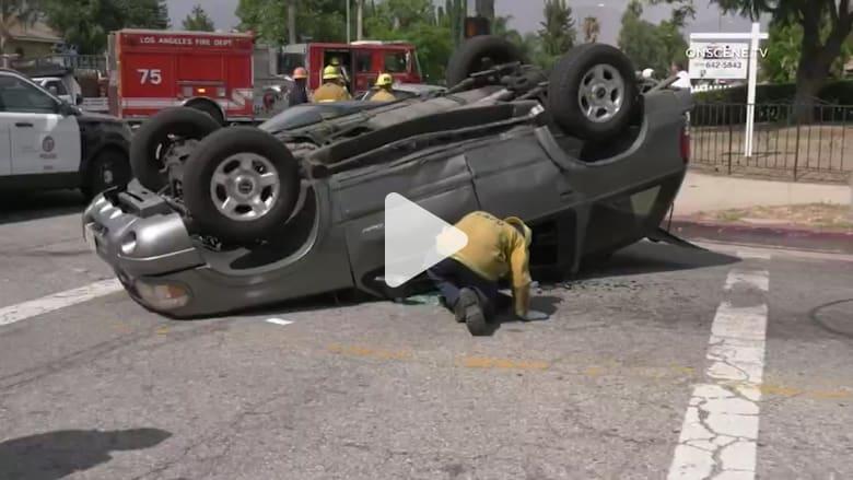 نجم هوليوود داني تريجو ينقذ طفلاً من سيارة بعد تدهورها