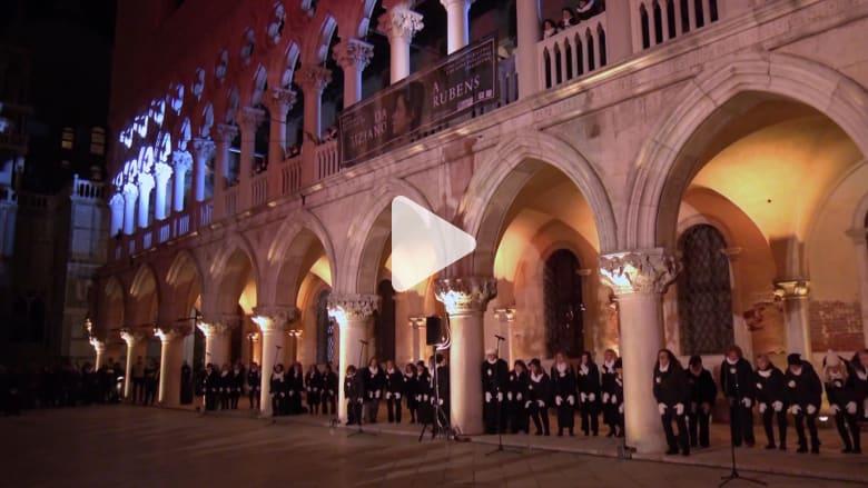 """أوركسترا صوتية تغني """"حوريات البحر"""" لمدينة البندقية"""