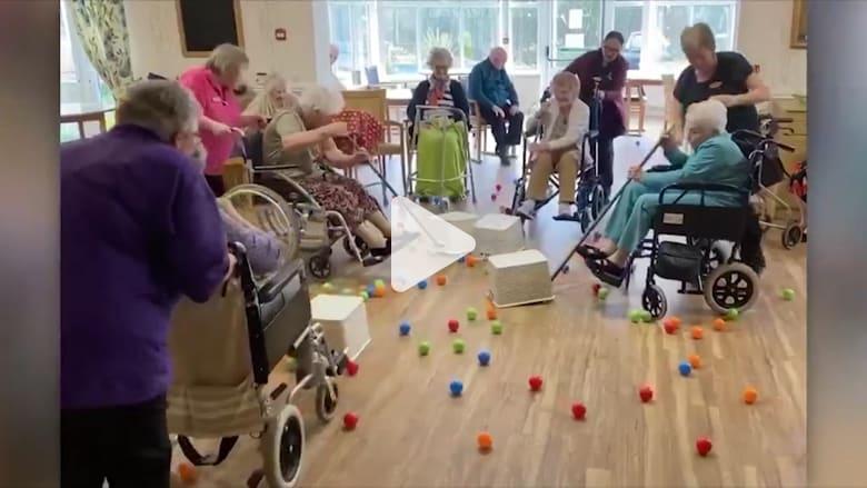 """طرق إبداعية لكبار السن في """"العزل الاجتماعي"""" بعد انتشار فيروس كورونا"""