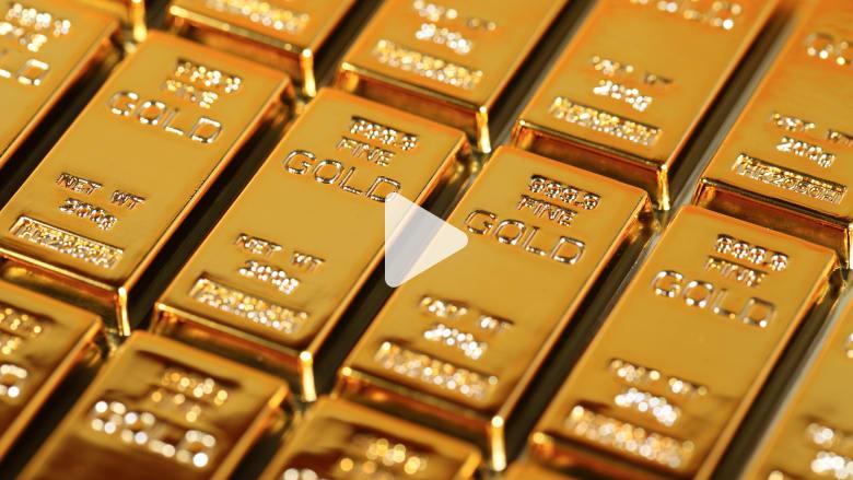 لماذا يلجأ الناس الى شراء الذهب في أوقات الأزمات؟