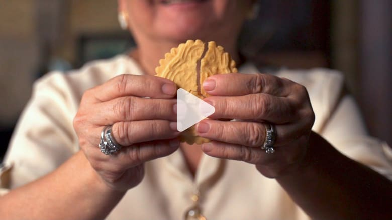 """يؤمن الأشخاص بقدراتها الشفائية.. أسطورة كعك """"سان نيكولاس"""""""