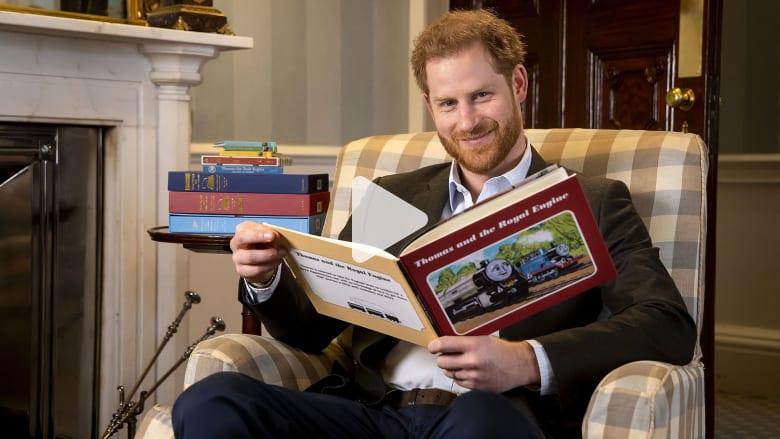 شاهد كيف احتفل الأمير هاري بالذكرى الـ 75 لرسوم الكرتون المفضل لديه