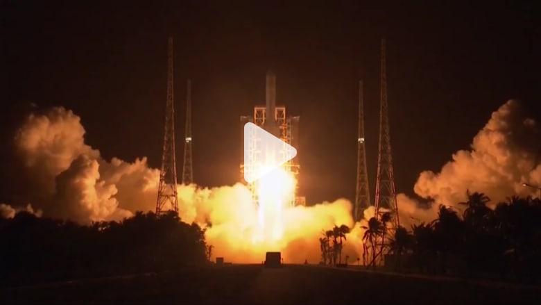 لأول مرة منذ 40 عاماً.. الصين تطلق مسباراً لجمع عينات من القمر
