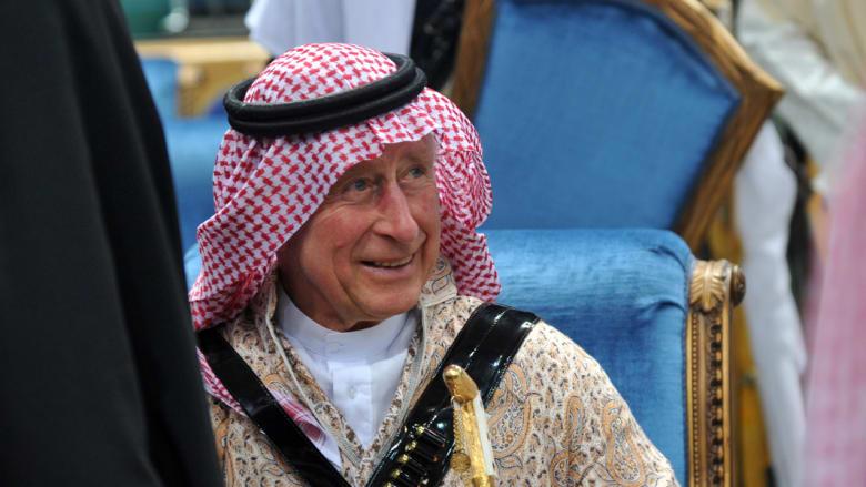الأمير تشارلز بعد وصوله للمشاركة في مهرجان الجنادرية بالسعودية