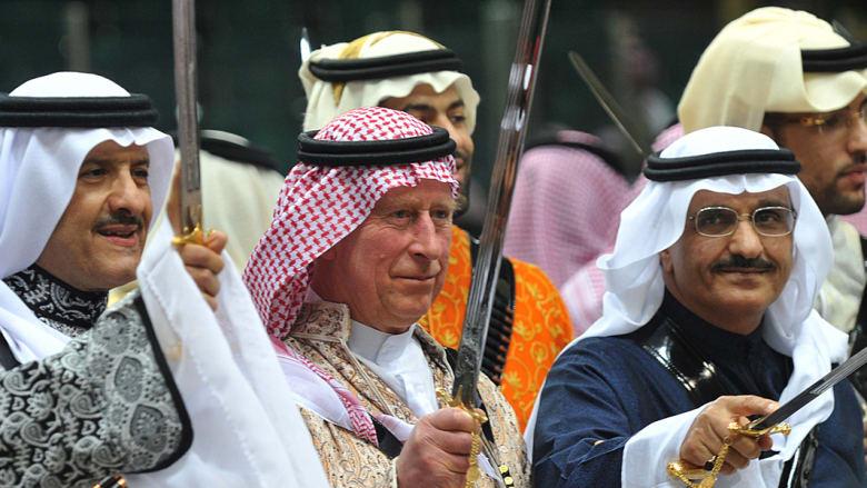 ولي العهد البريطاني يرقص مع وزير السياحة السعودي