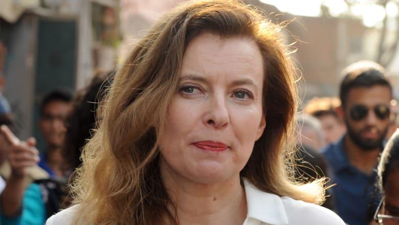لبنان: جنبلاط ينفي وقوع سيدة فرنسا الأولى في الحب بمنزله