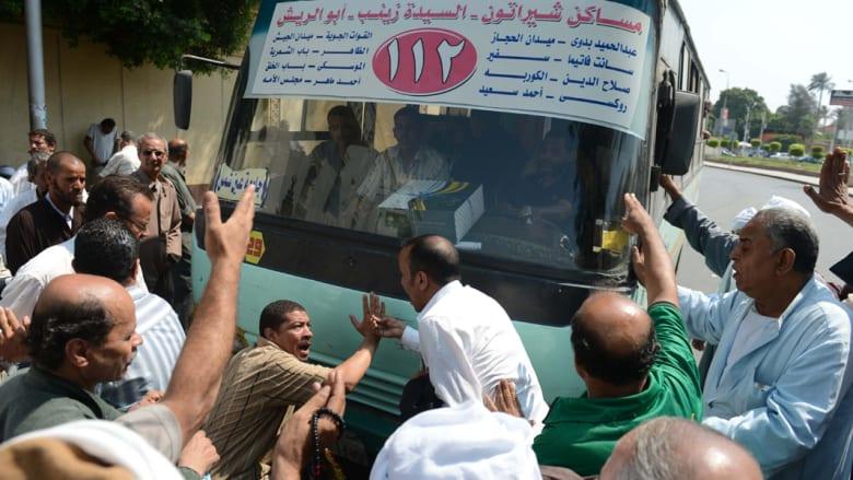 إضراب سائقي النقل يشل القاهرة والحكومة تستعين بالجيش