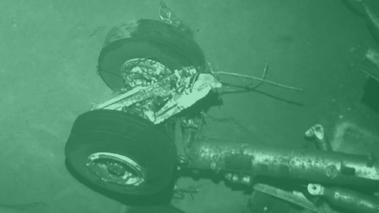 بالفيديو.. أبرز حوادث لرحلات جوية انتهت في البحر