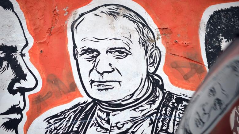 مسدس محاولة اغتيال البابا جون بول في معرض بمسقط رأسه ببولندا