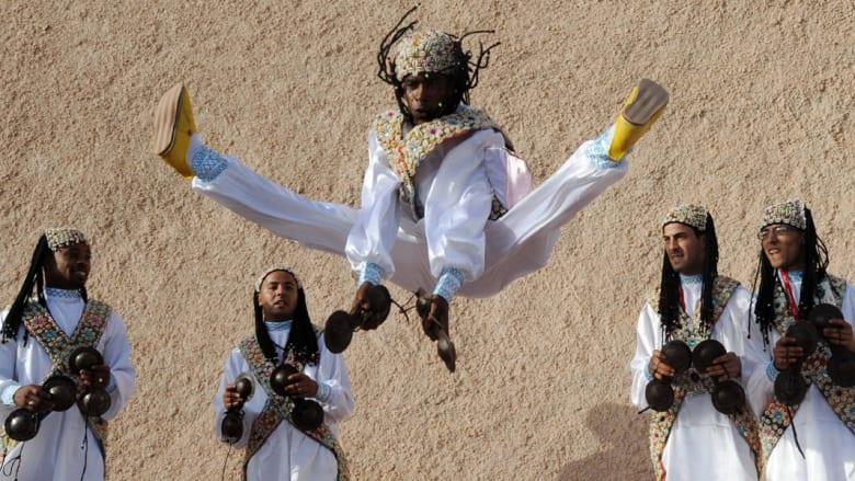 """""""مدينة الرياح"""" المغربية وجهة عالمية لركوب الأمواج"""