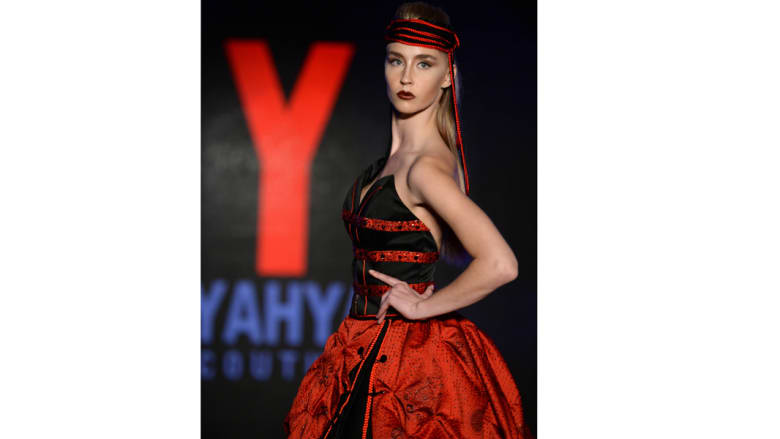 مصمم الأزياء السعودي يحيى البشري يطلق من المغرب تشكيلة جديدة