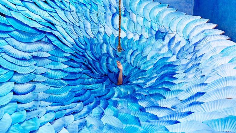خيال أم حقيقة؟.. فنانة كورية تحول استوديو صغير إلى عالم للأحلام
