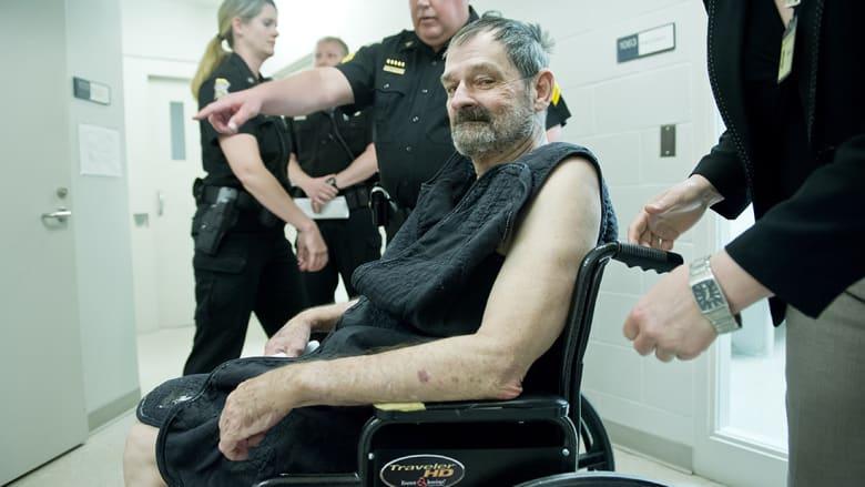 فريزر غلين كروس رجل ميسوري 73  عاماً، قبل استدعائه للحكم بعد اتهامه بقتل ثلاثة أشخاص.