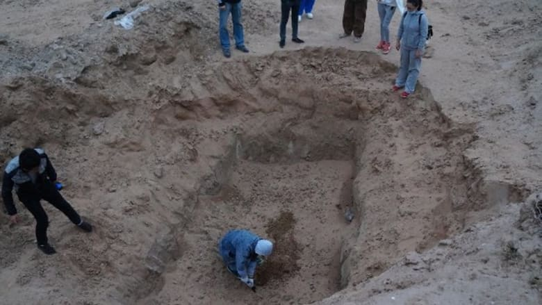 غضب في الصين بعد انتشار صور لدفن عشرات الكلاب وهي حية