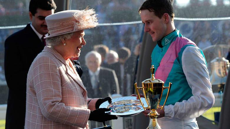 الملكة إليزابيث وفارس فرانكل