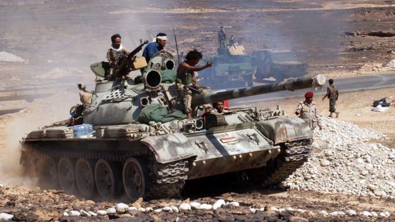دبابة وآليات عسكرية للجيش اليمني في محافظة شبوة