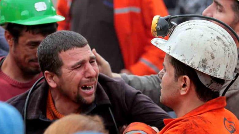 تركيا: 274 قتيلا بانفجار منجم للفحم وجهود لضخ هواء إلى المحاصرين