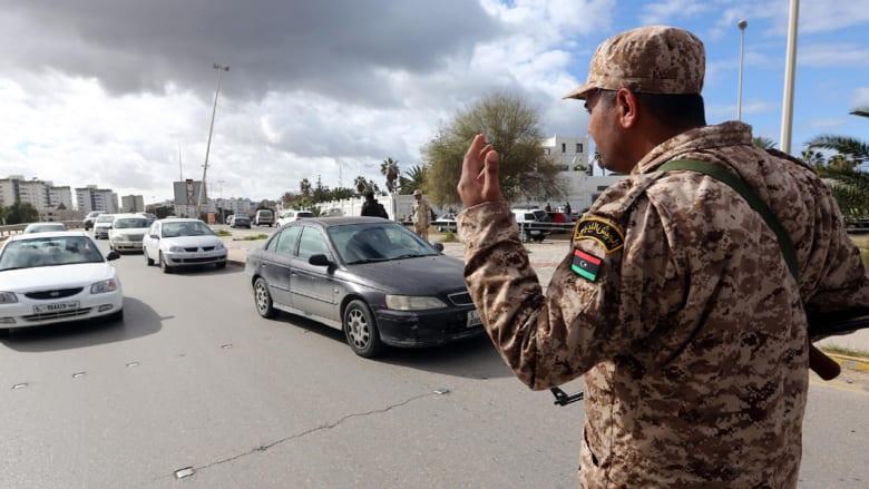ليبيا: هدوء بعد ليل عنيف في طرابلس.. ونائب يربط المهاجمين بأحداث بنغازي